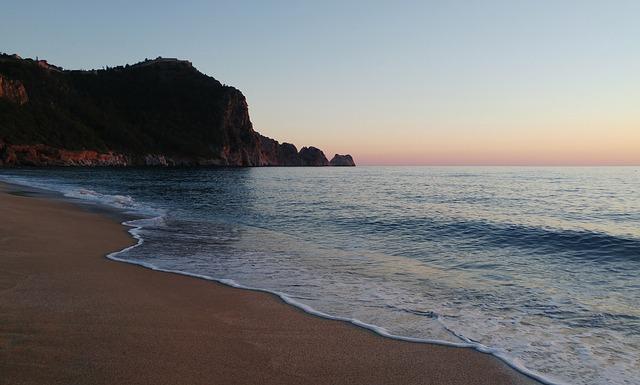 Pláž v tureckej alanyi
