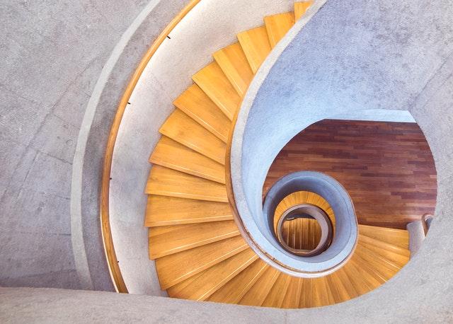 točené schody.jpg