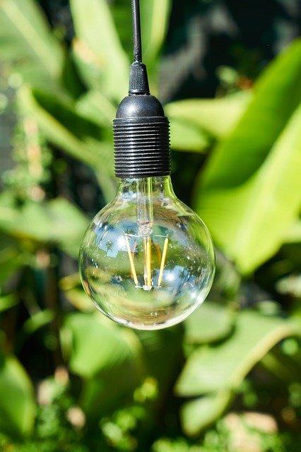 lamp-3737119_640